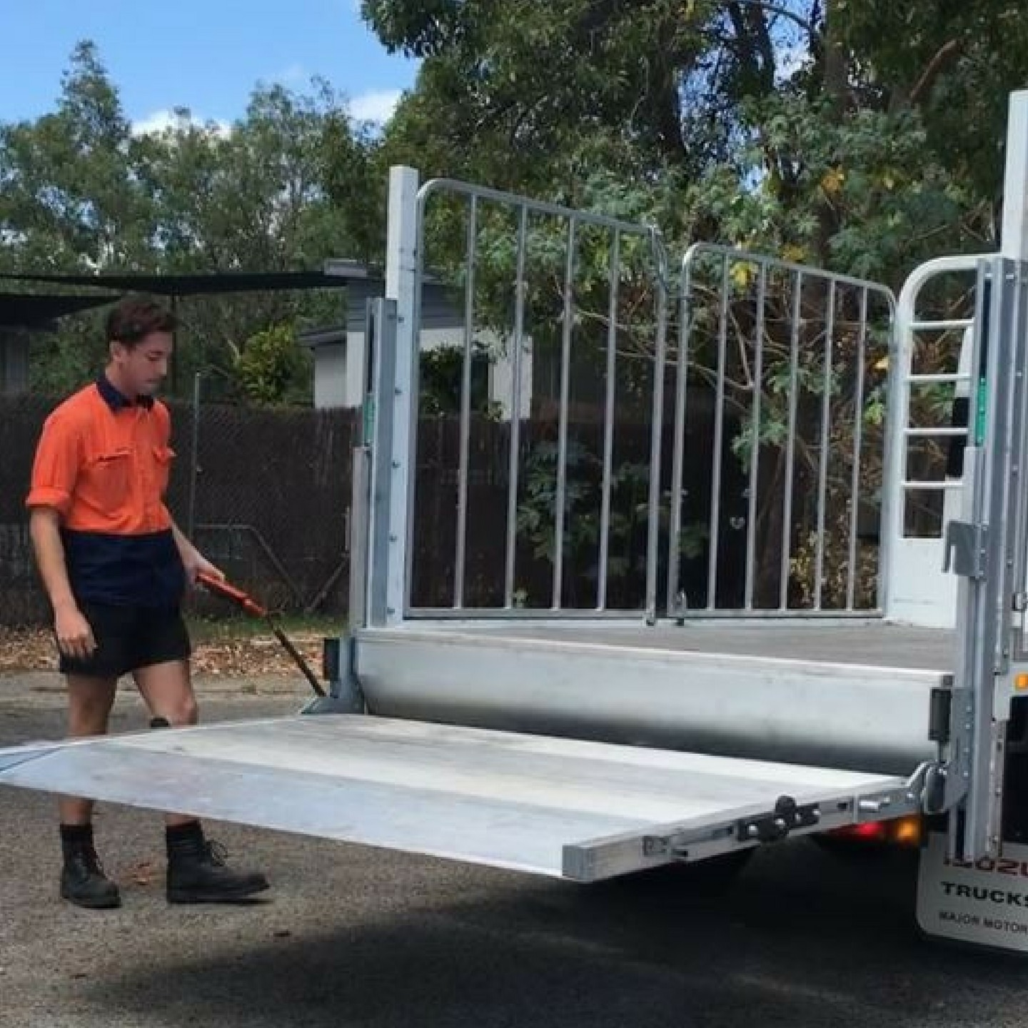 Truck Tail lift - Mule Engineering